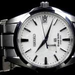 グランドセイコーのスプリングドライブモデル「SBGA011」は国産最高峰の腕時計